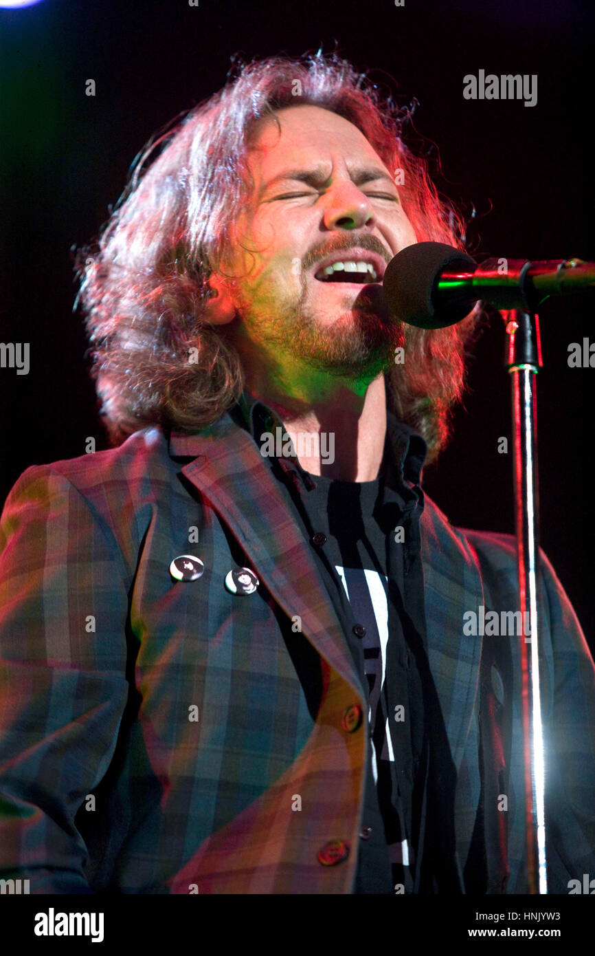 Pearl Jam Stock Photos & Pearl Jam Stock Images - Page 2 - Alamy
