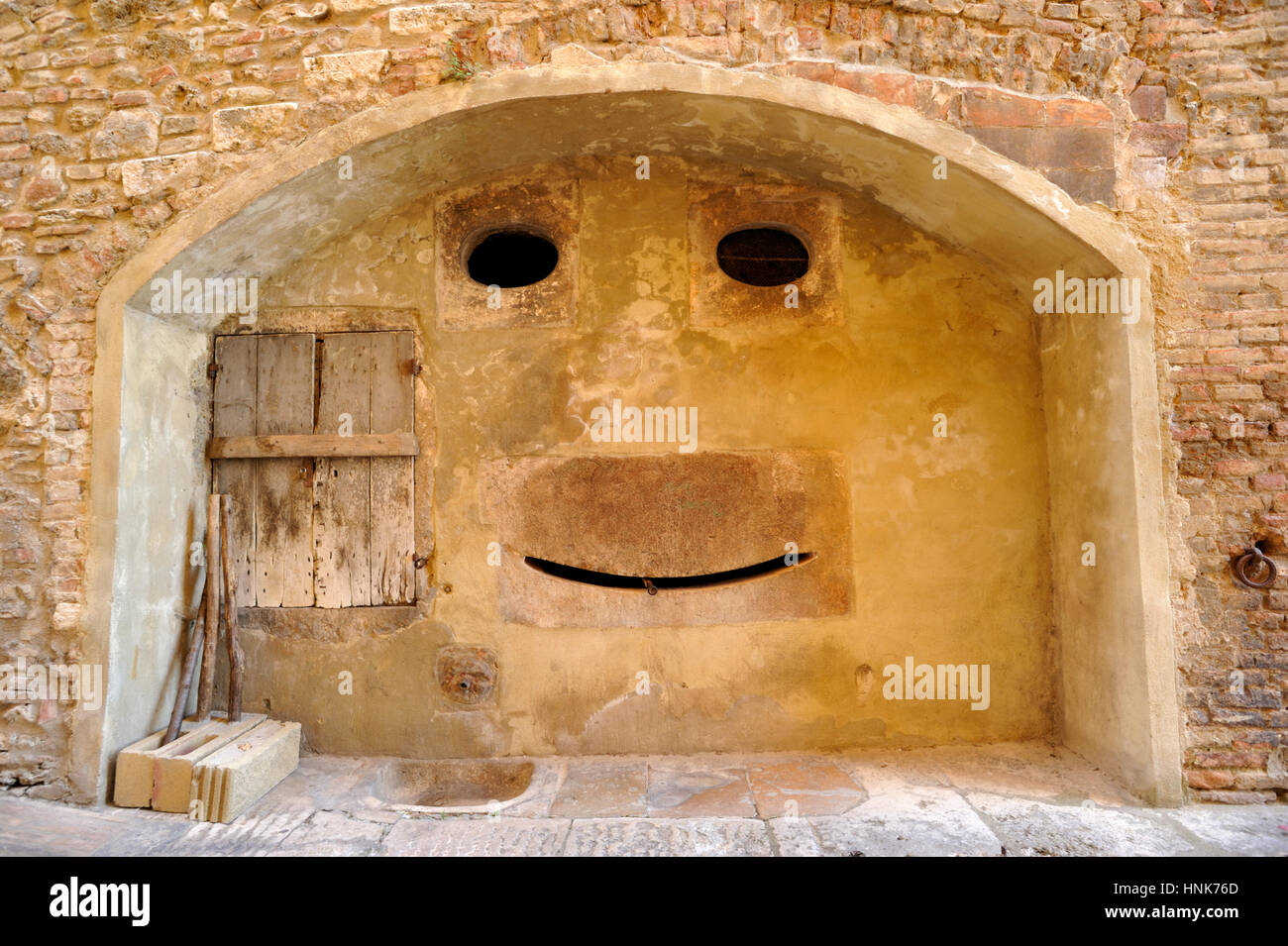 ancient fountain, colle di val d'elsa, tuscany, italy Stock Photo