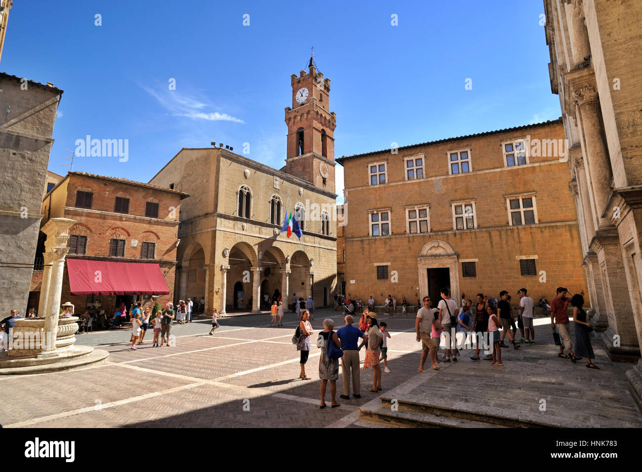 italy, tuscany, pienza, piazza pio II, townhall and bishop palace - Stock Image