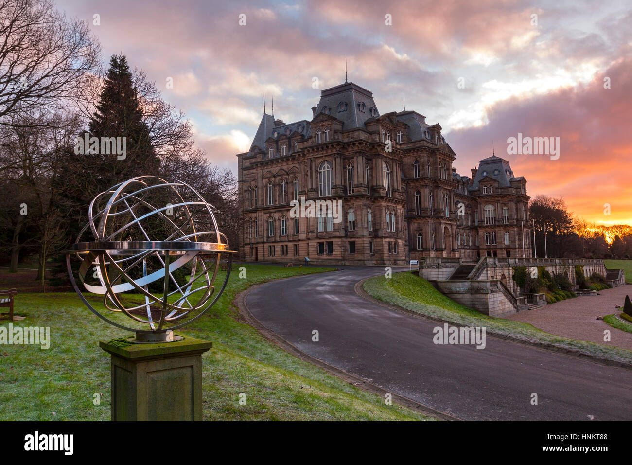 Morning Light illuminating the Amillary Sphere Memorial to HM Queen Elizabeth, The Queen Mother in the gardens the - Stock Image