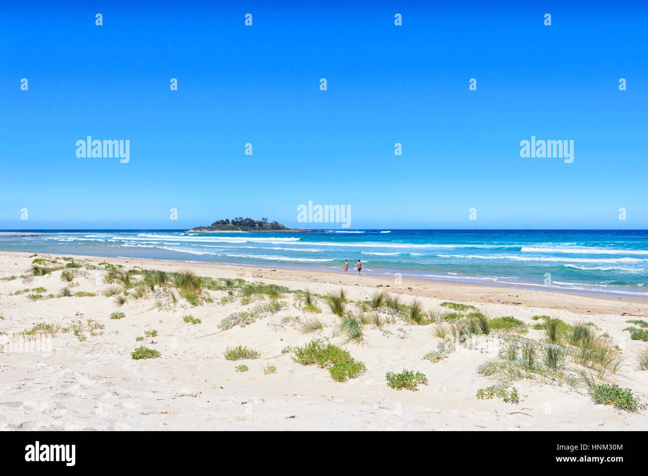 Sand beach at Lake Conjola, Shoalhaven, South Coast, New South Wales, NSW, Australia - Stock Image