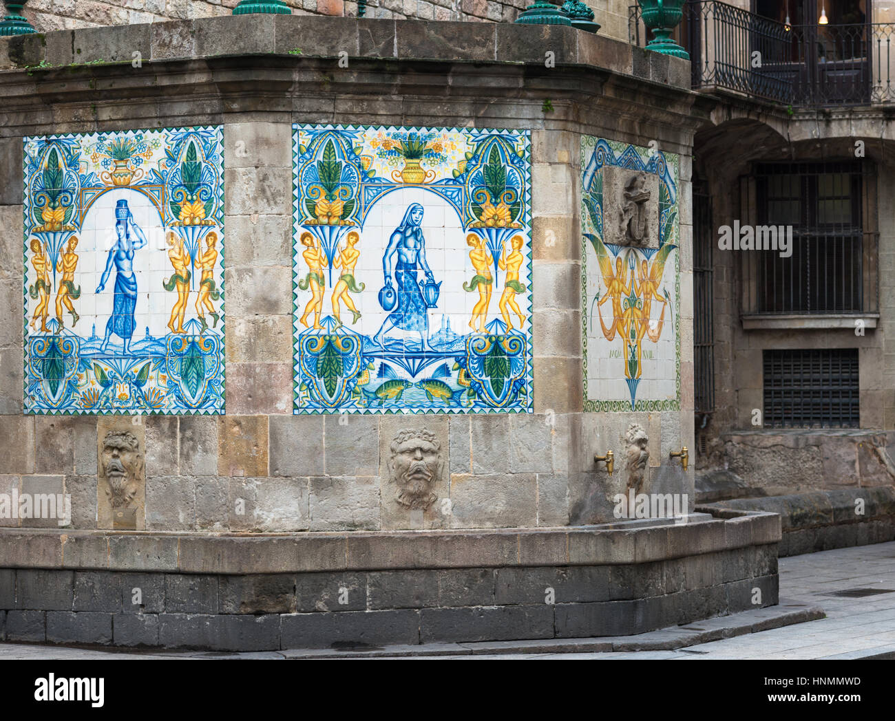 Spain, Catalonia, Barcelona, Gothic Quarter, fountain of Santa Anna. Stock Photo