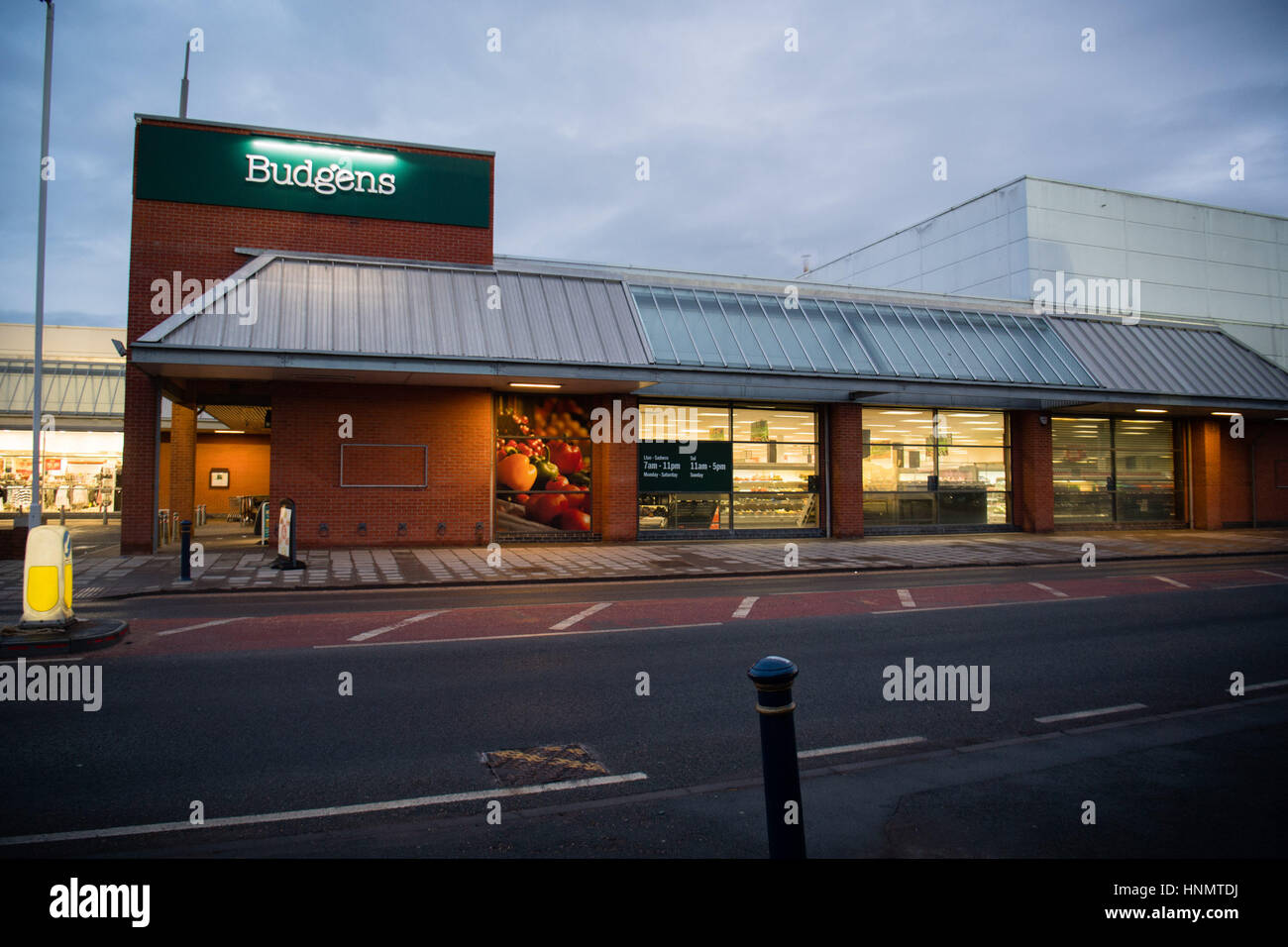 Aberystwyth, Wales, UK. 14th Feb, 2017. Budgens supermarket chain has today (Feb 14 2017) announced that it is going - Stock Image