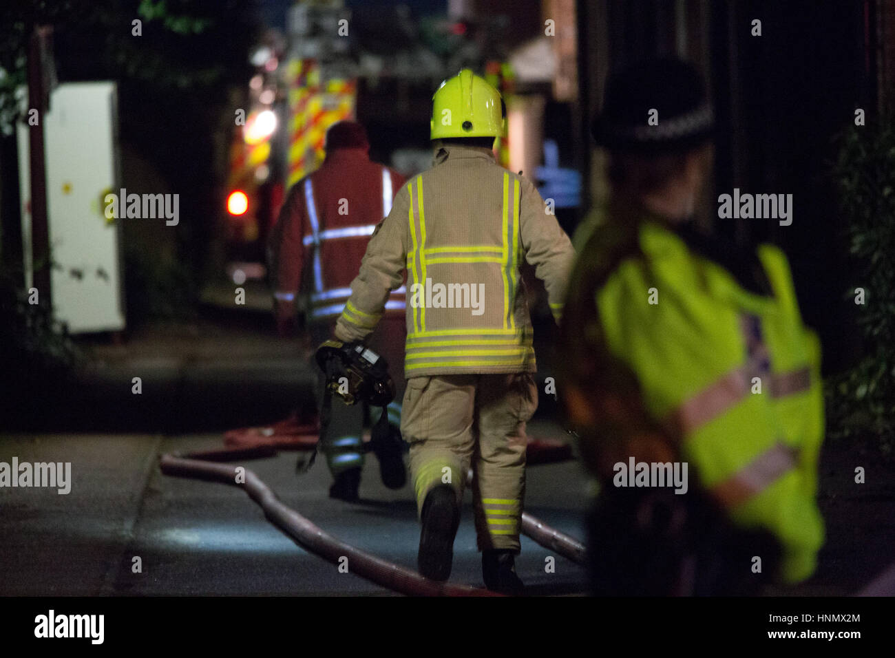 Oxford, UK. 14th Feb, 2017. Block of flats in Osney Lock, Oxford collapsed due to a big explosion. Fire crew in - Stock Image
