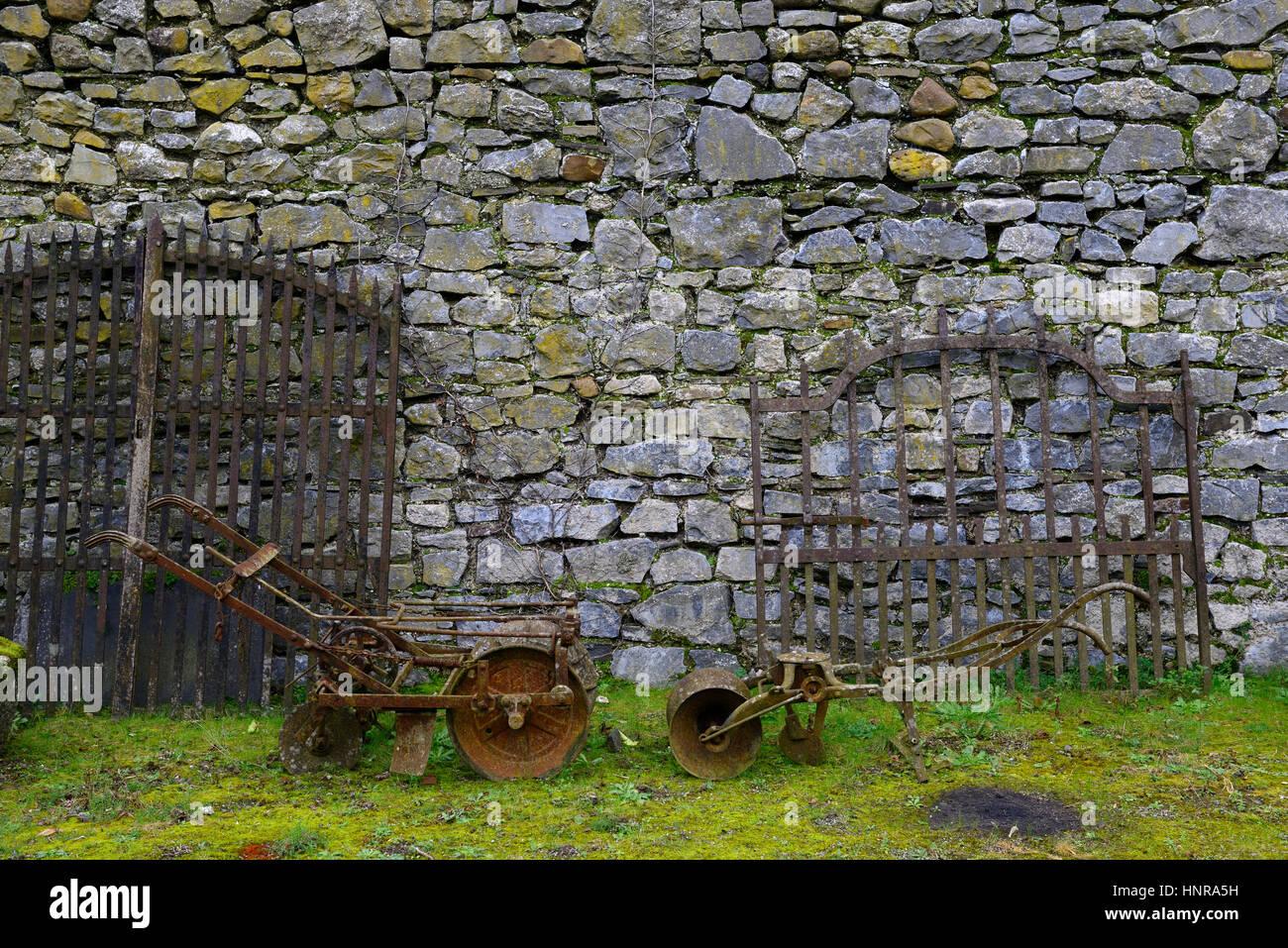 agricultural salvage, old, plough, ploughs, gate, gates, junk, secondhand, garden, feature, antique, sale, RM Floral - Stock Image