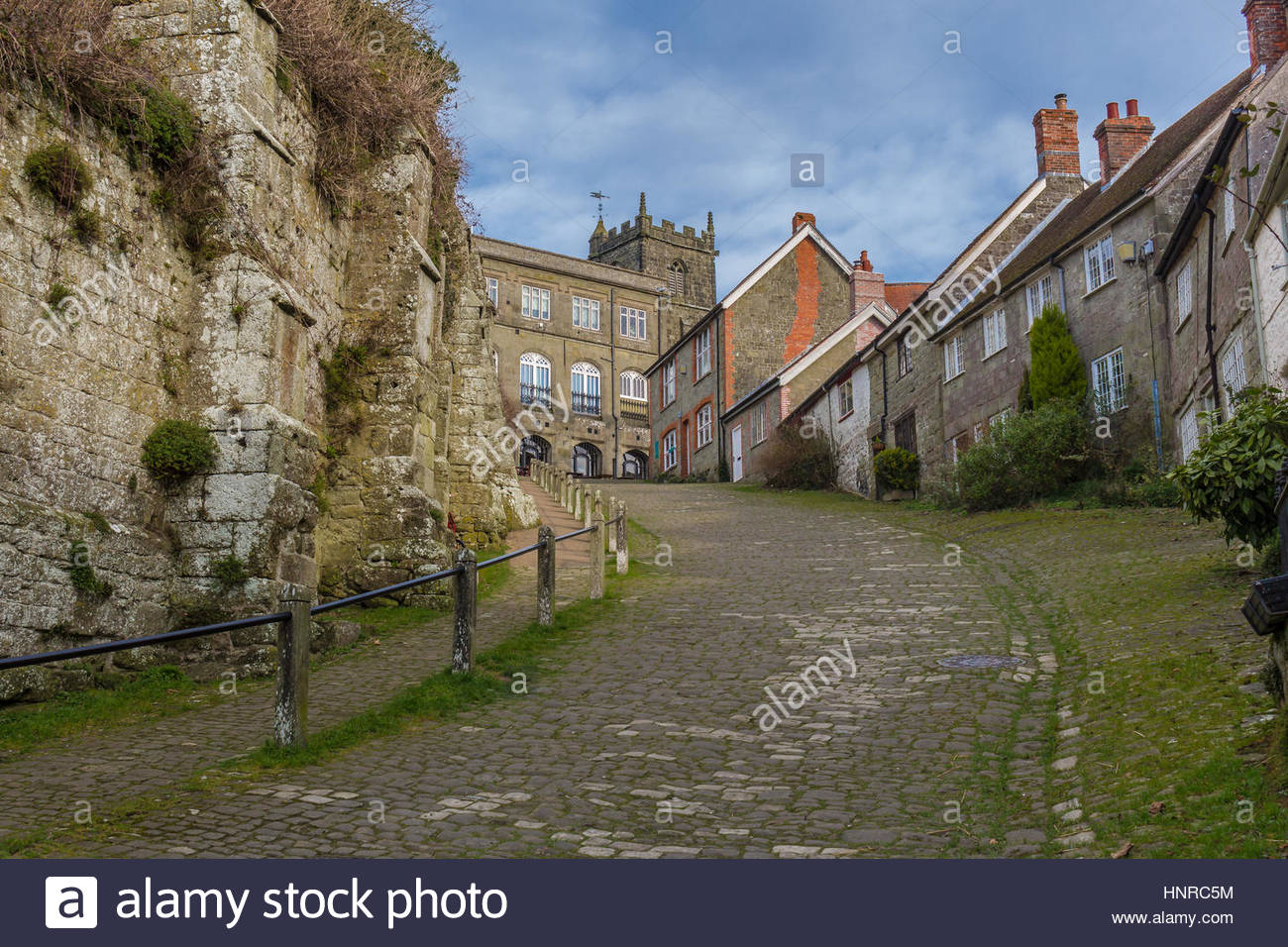 Gold Hill in Shaftesbury. The site of the famous Hovis advert - Stock Image
