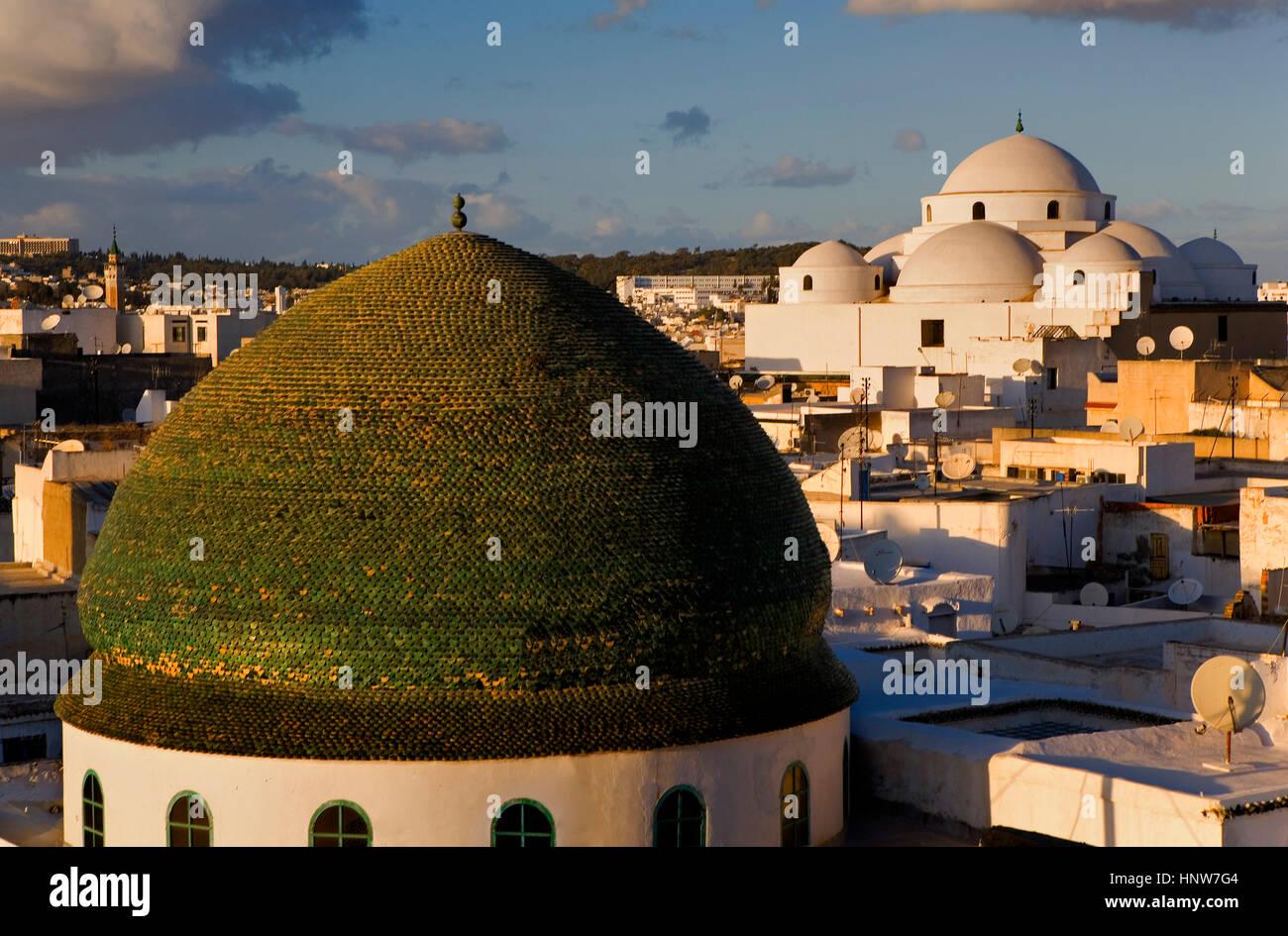 Tunisia: City of Tunis.skyline of Tunis. At right Sidi Mahrez Mosque. At left Dome of Zaouia de Sidi Brahim - Stock Image