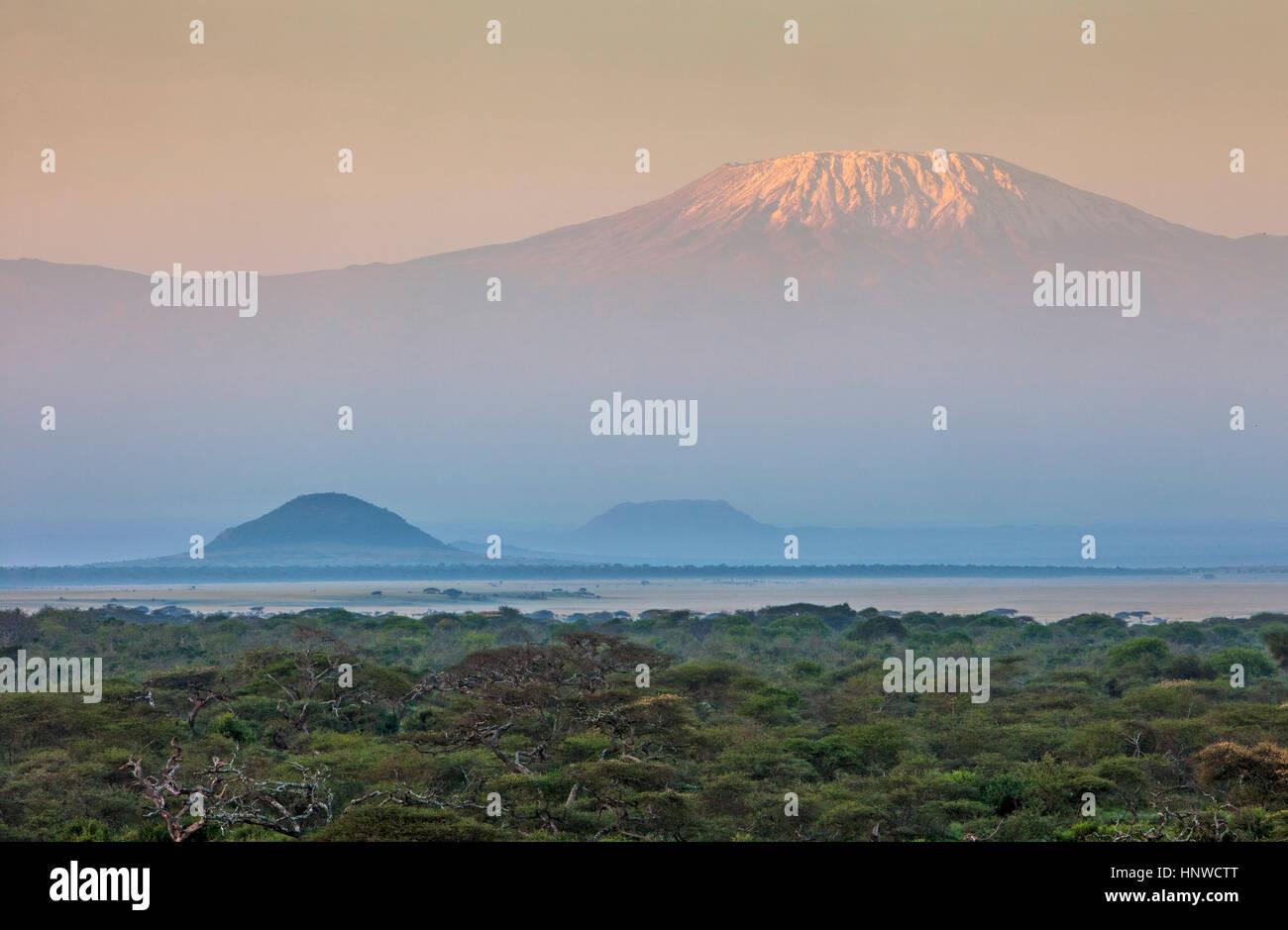 Mount Kilimanjaro, from Chyulu Hills National Park, Kenya - Stock Image