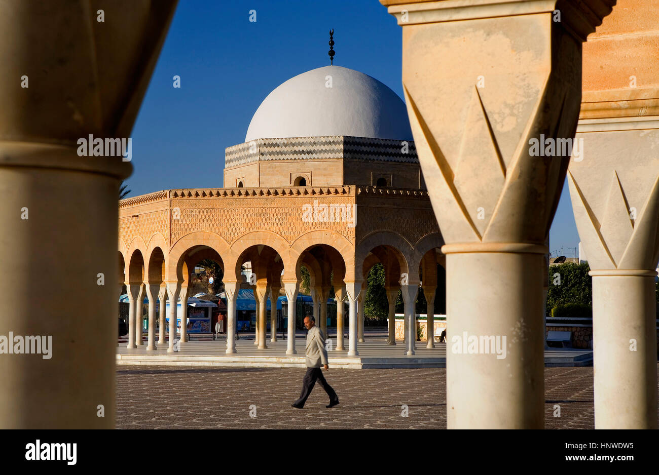 Tomb at entrance to bourguiba mausoleum, Tunez: Monastir Stock Photo