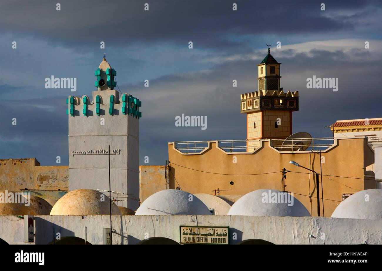 Tunez: Kairouan. Miinarets in Bab el Tounes - Stock Image