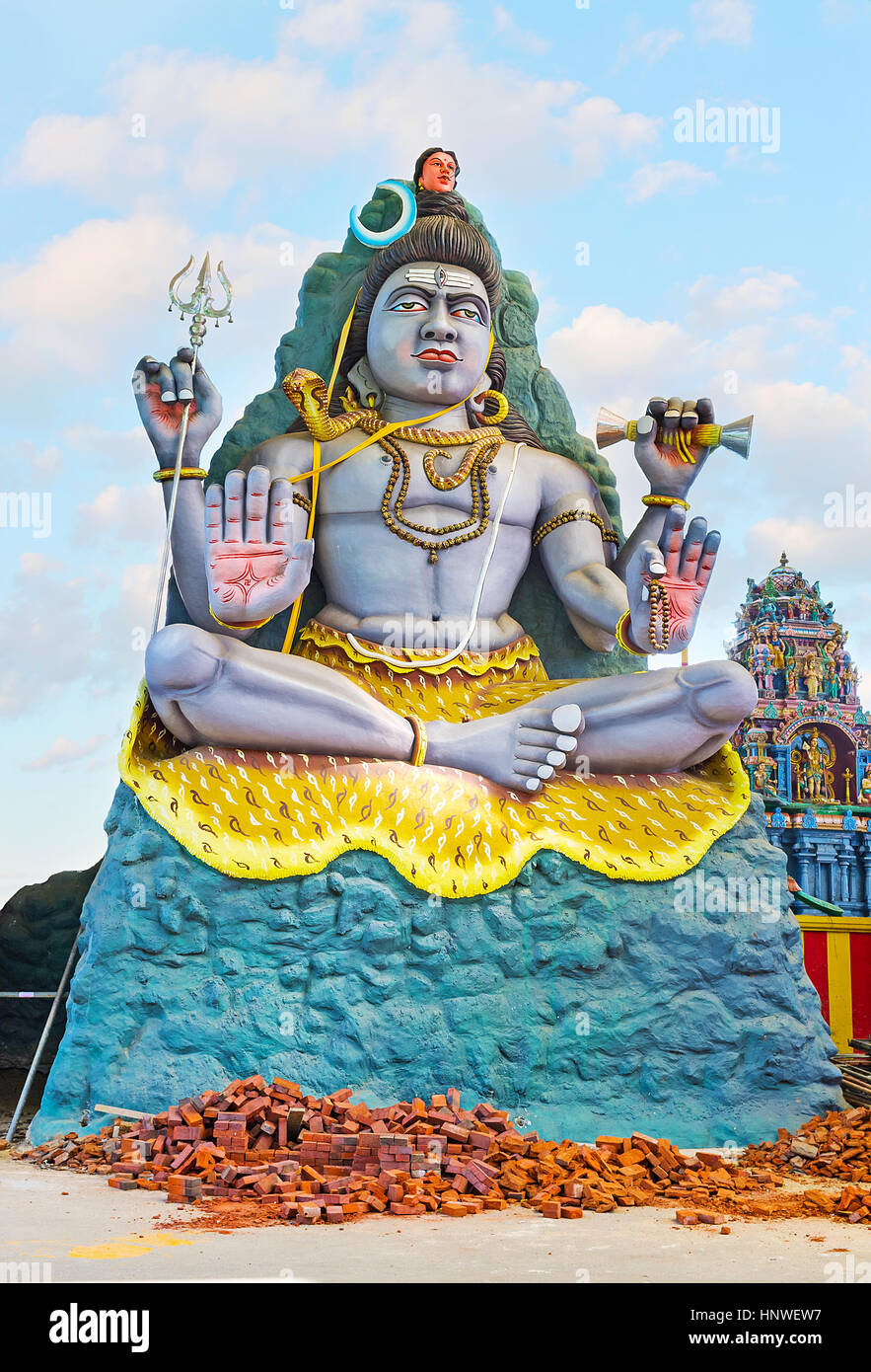 The statue of Lord Shiva with Chandra crescent moon and Ganga, flowing from his head, Murugan Kovil, Chilaw, Sri - Stock Image