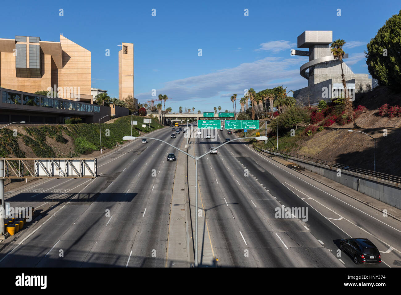 LOS ANGELES, CALIFORNIA - November 24, 2013:  Traffic free weekend view of the Hollywood 101 Freeway, modernest - Stock Image