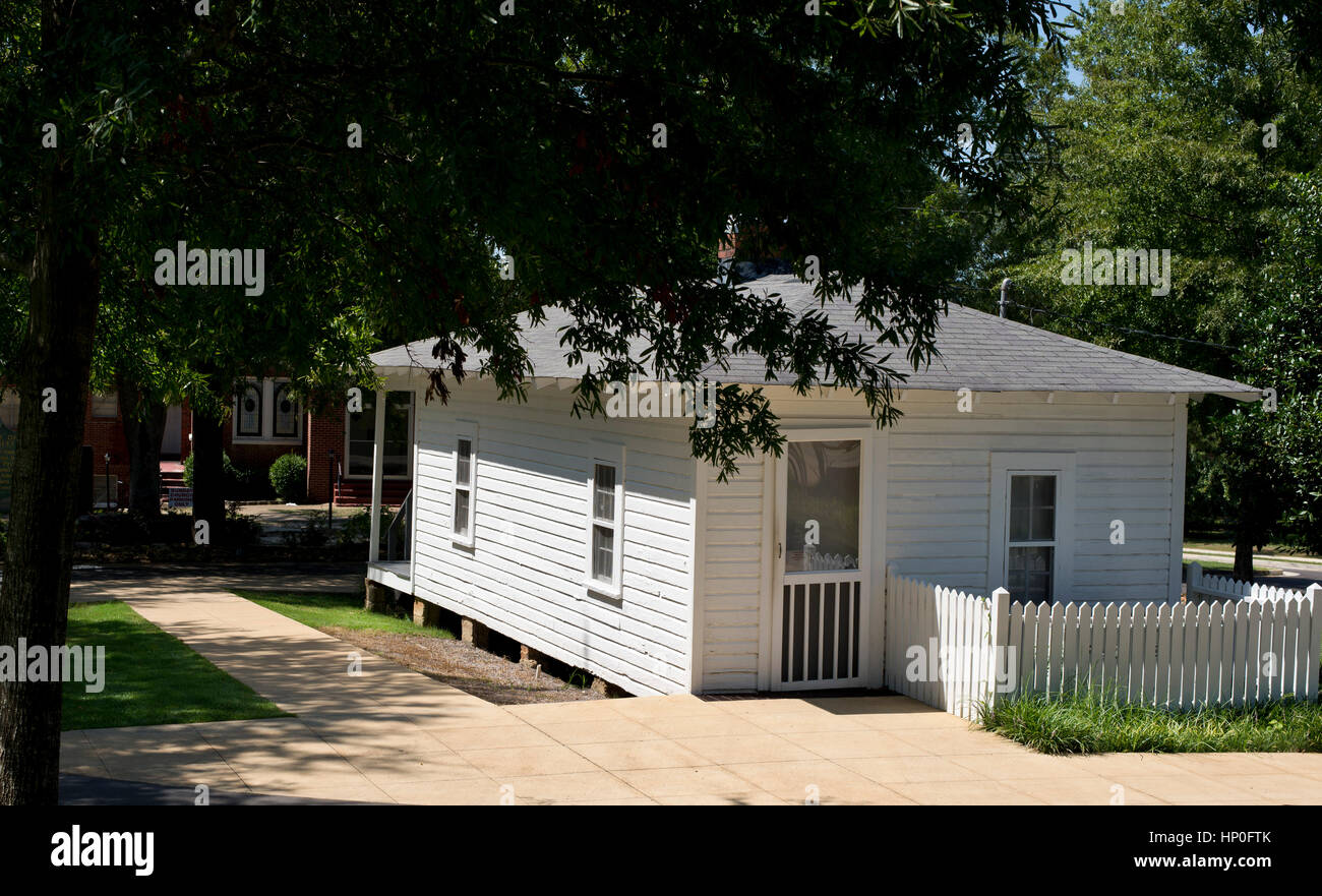 Elvis Presley childhood 'Shotgun' house built by his father, Tupelo, MS, USA - Stock Image