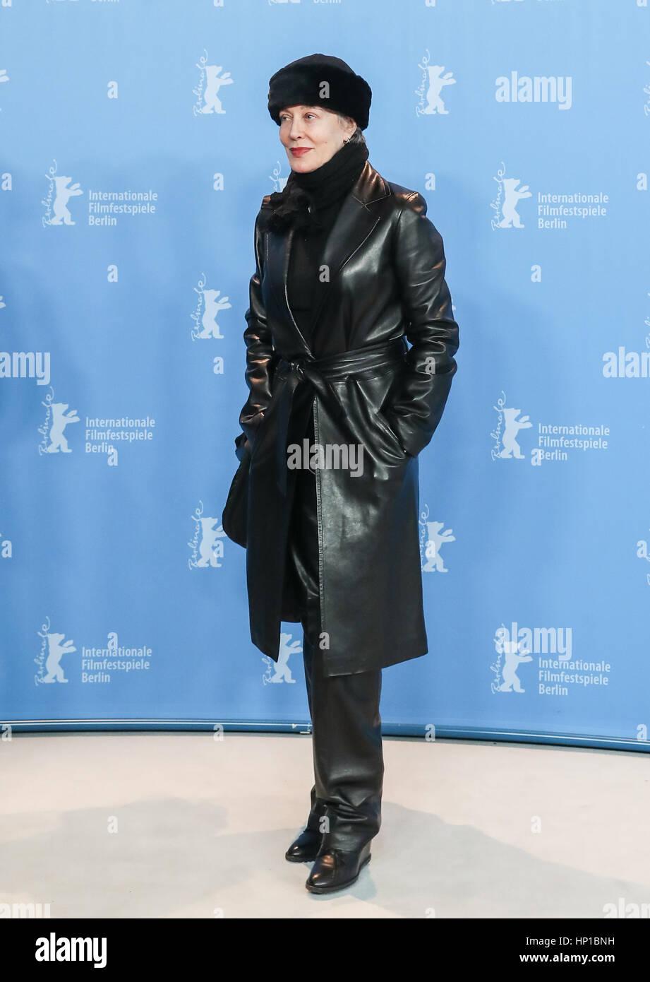 Berlin, Germany. 16th Feb, 2017. Italian film costume designer Milena Canonero attends a photocall during the 67th - Stock Image