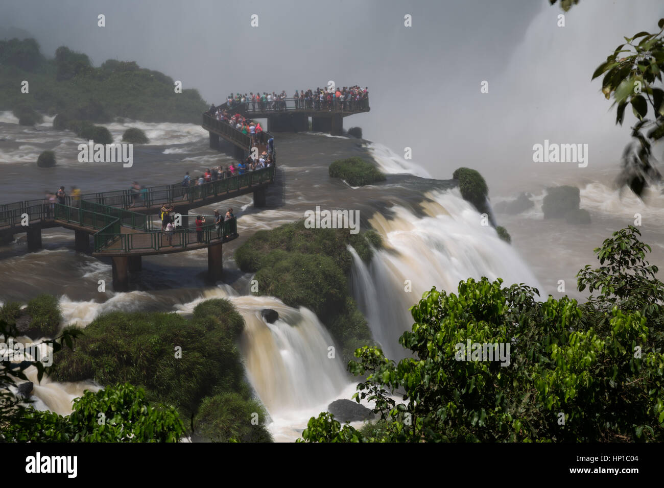 Foz do Iguaçu, Brazil. 16th February, 2017. View of visitors on 'Garganta do Diabo' (Devil's Throat) - Stock Image