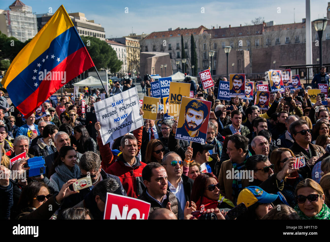 Madrid, Spain. 18th Feb, 2017. People protesting demanding the release of Leopoldo Lopez and political prisoners Stock Photo