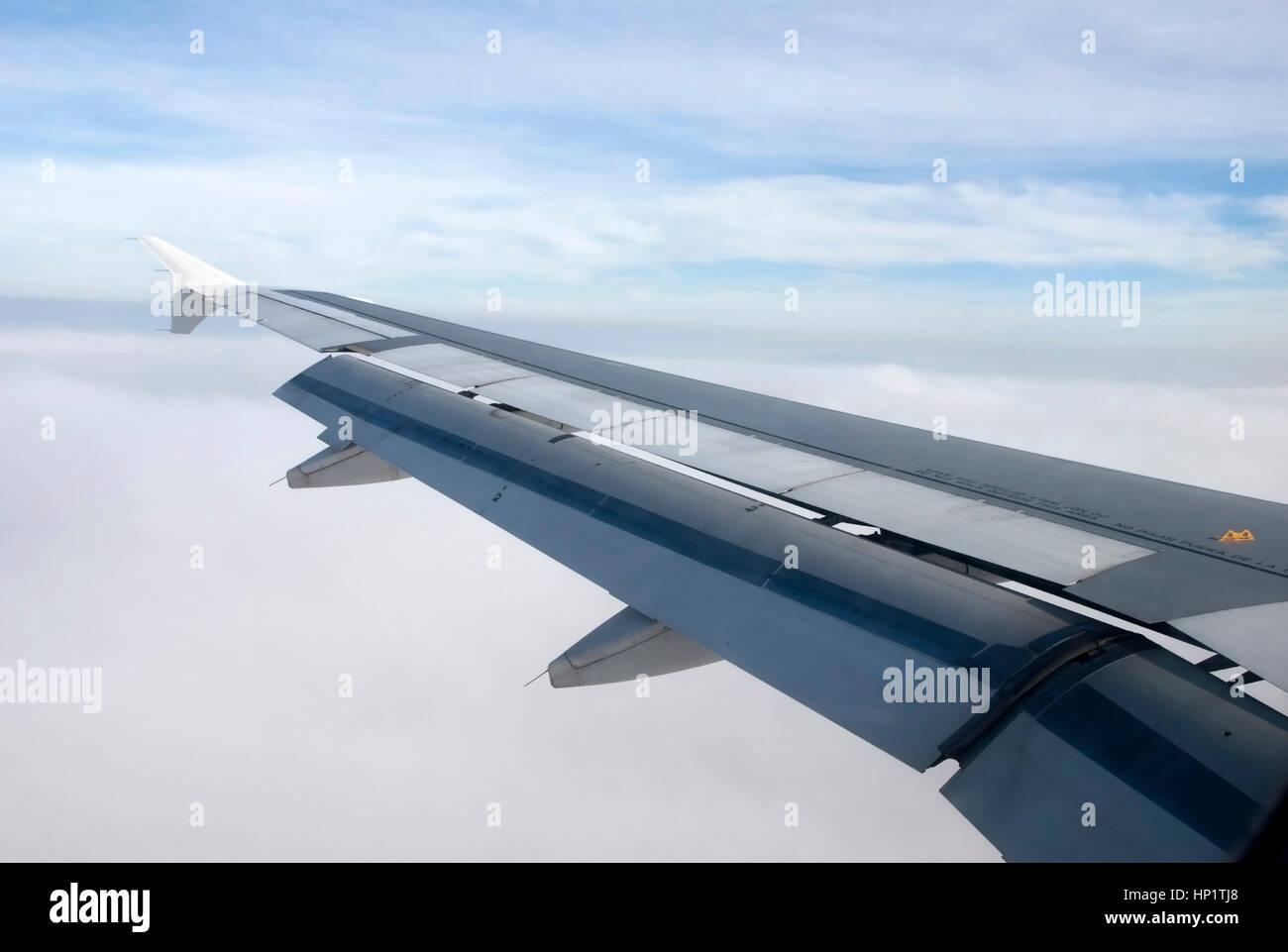 Blick aus dem Flugzeug, Tragflaeche - view from airoplane - Stock Image