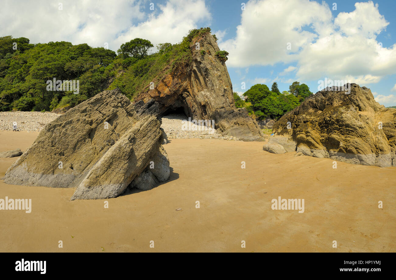 Rocks on Saundersfoot Beach - Stock Image