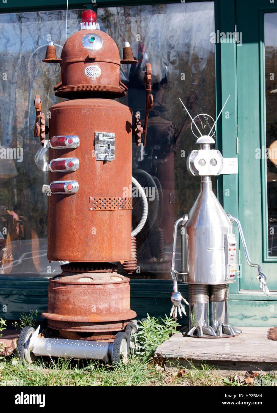 Steve Heller folk art like these robots in Boiceville New York. - Stock Image