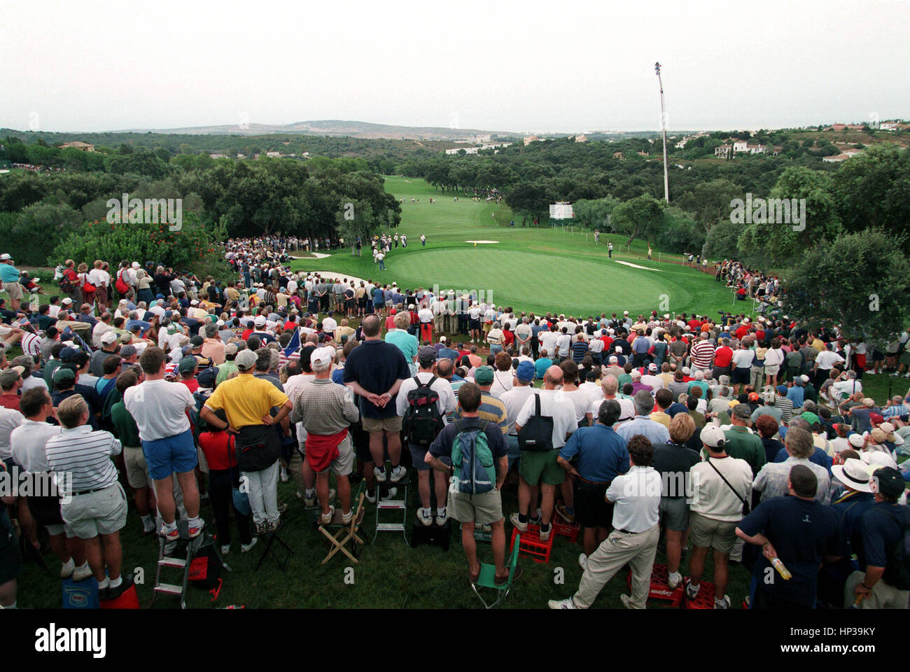 SPECTATORS SURROUND THE 14TH RYDER CUP VALDERRAMA SPAIN 28 September 1997 - Stock Image