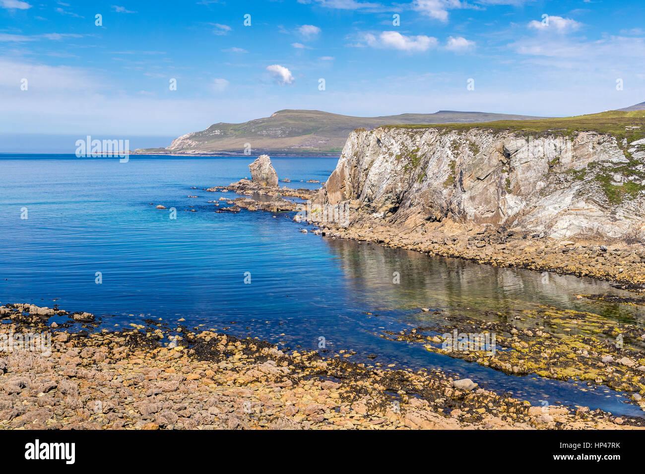 Ashleam Bay seen from Wild Atlantic Way, Achill Island, County Mayo, Ireland, Europe. - Stock Image