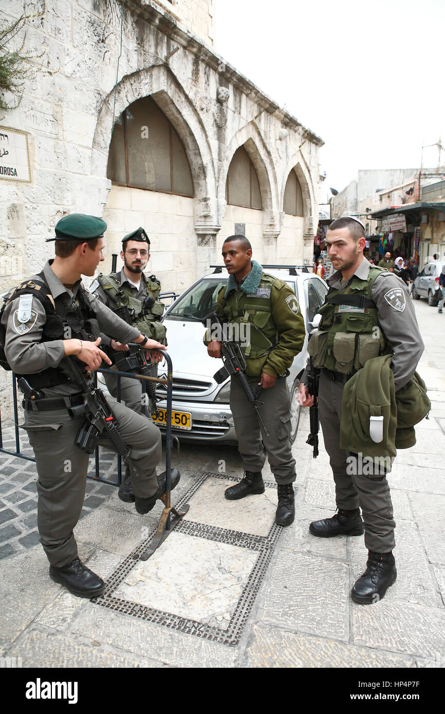 soldiers of israel defence forces protecting old city area, jerusalem, israel Stock Photo