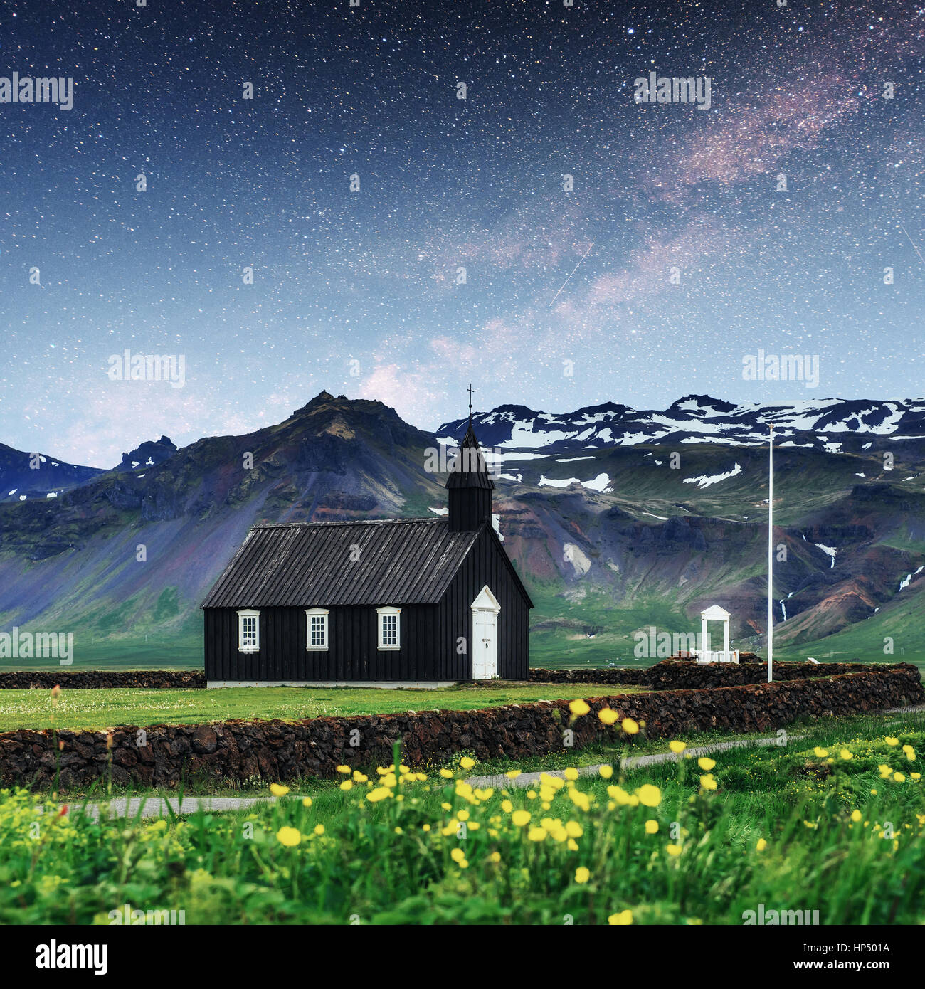 Mountain View Iceland. Fantastic starry sky and the milky way - Stock Image