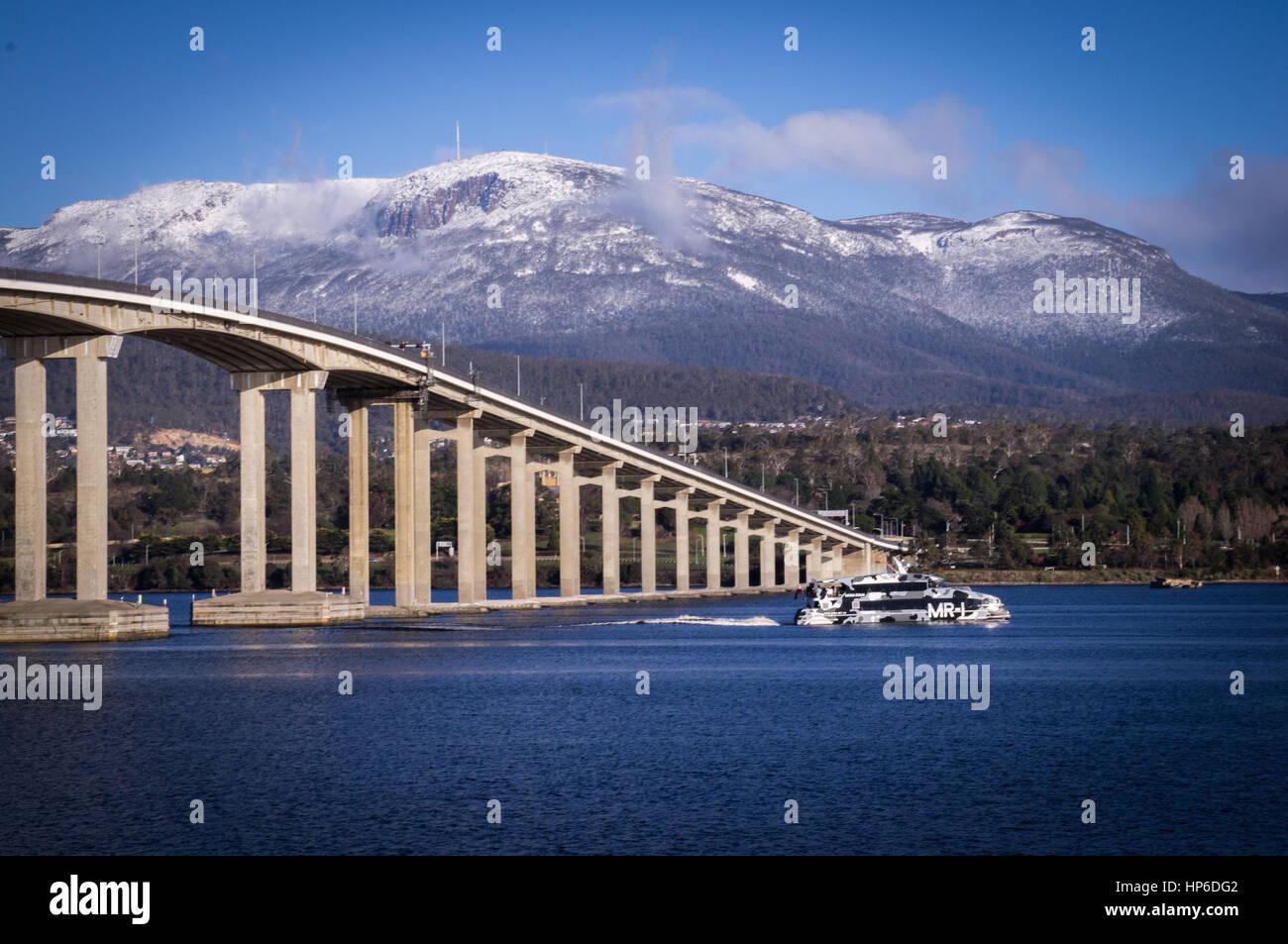 Mt Wellington and Tasman bridge view from Rose Bay, Hobart, Tasmania, Australia - Stock Image