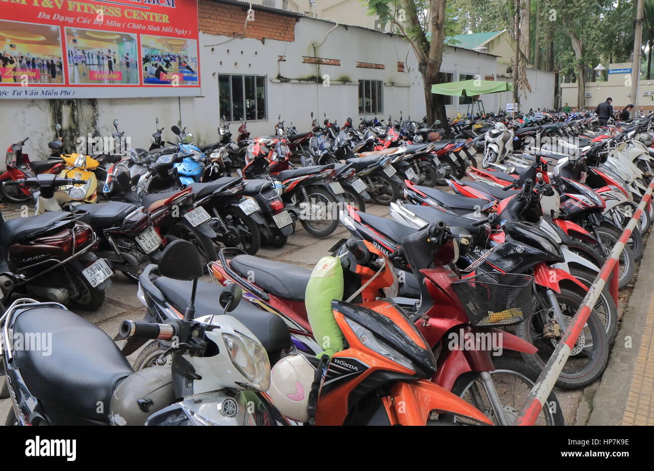 free motorcycle parking knightsbridge  Parking Motorbike Stock Photos