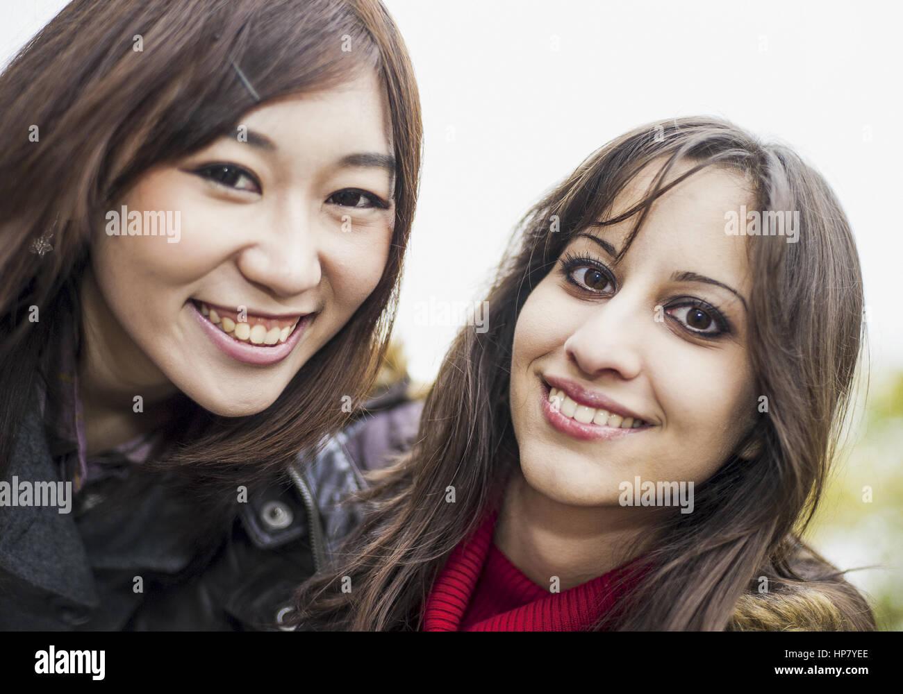 Orientalische und asiatische Frau, Portraet (model-released) - Stock Image