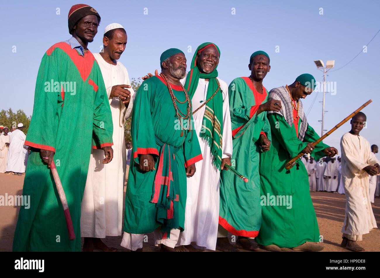 SUDAN, OMDURMAN: Every Friday the sufis of Omdurman, the other half of Northern Sudan's capital Khartoum, gather - Stock Image