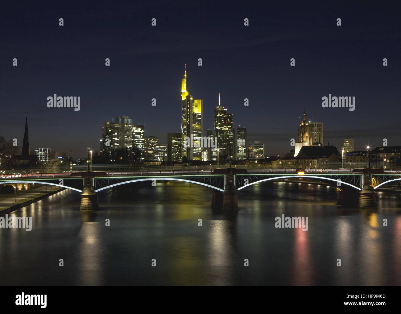 Frankfurt am Main, Bankenviertel, Skyline, abends - Stock Image