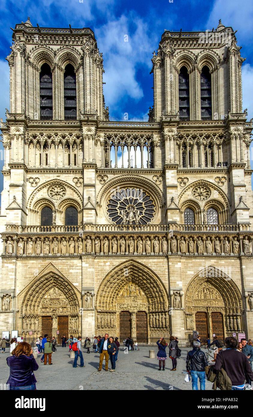 West facade, Cathedral of Notre-Dame de Paris, Paris, France, Europe - Stock Image