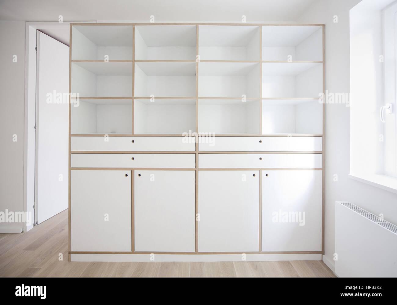 Wunderbar Weisse Schränke Galerie Die Designideen für Badezimmer