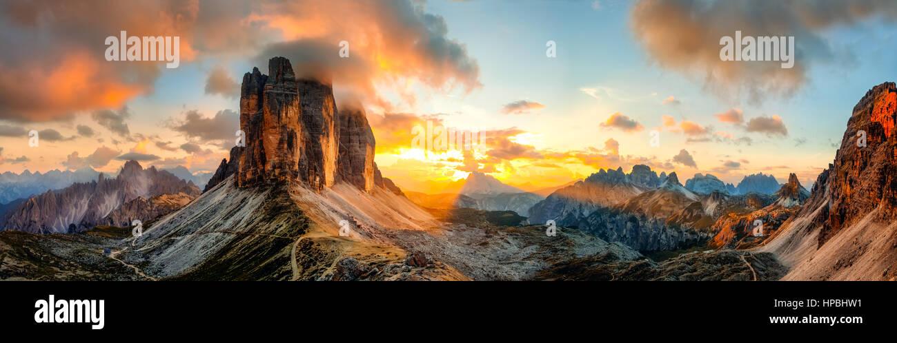 Sunset panorama of the famous three peaks of Lavaredo, in Dolomites, Italy - Stock Image
