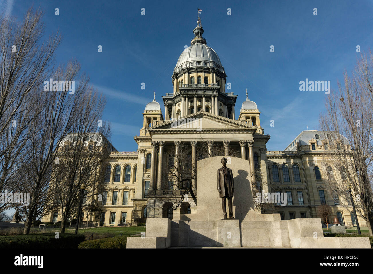 Statue of Abraham Lincoln in front of Illinois state capital. Stock Photo
