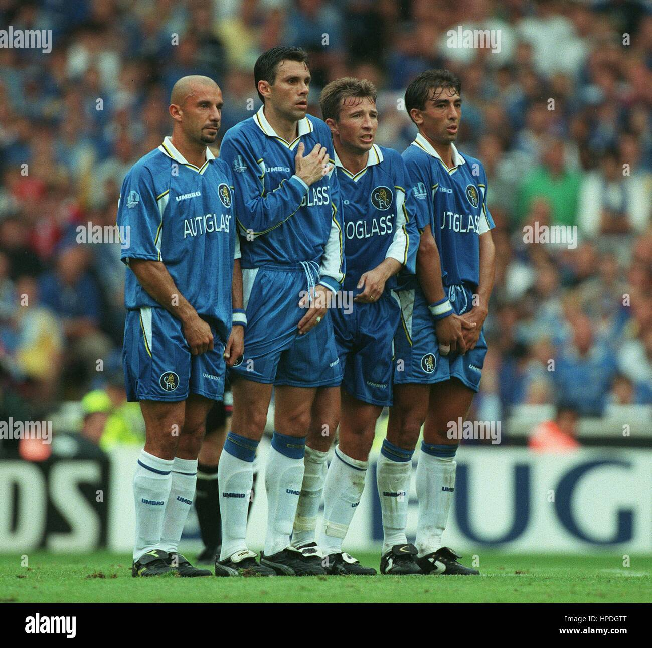 FOREIGNERS LINE UP IN DEFENCE CHELSEA V MANCHESTER UNITED 03 August 1997 - Stock Image