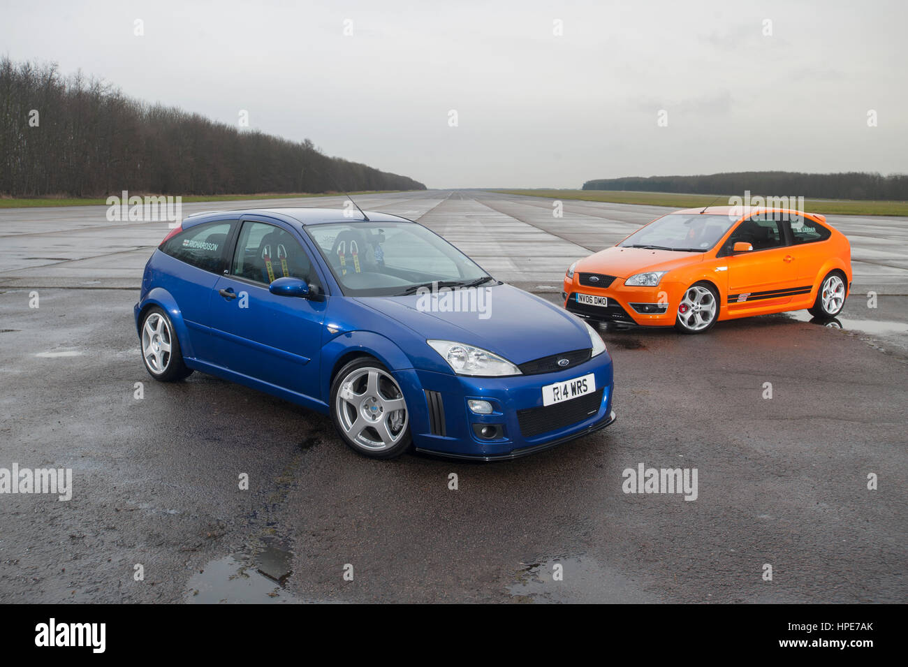 blue mk1 ford focus rs and orange mk2 focus st stock photo. Black Bedroom Furniture Sets. Home Design Ideas