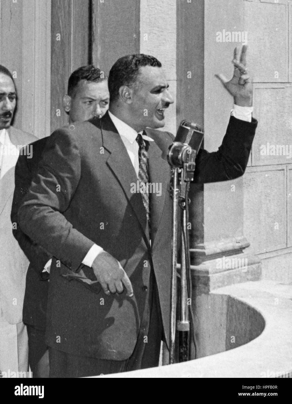 President Gamal Abdel Nasser addresses the crowds following his return from Alexandria where he proclaimed the nationalization - Stock Image