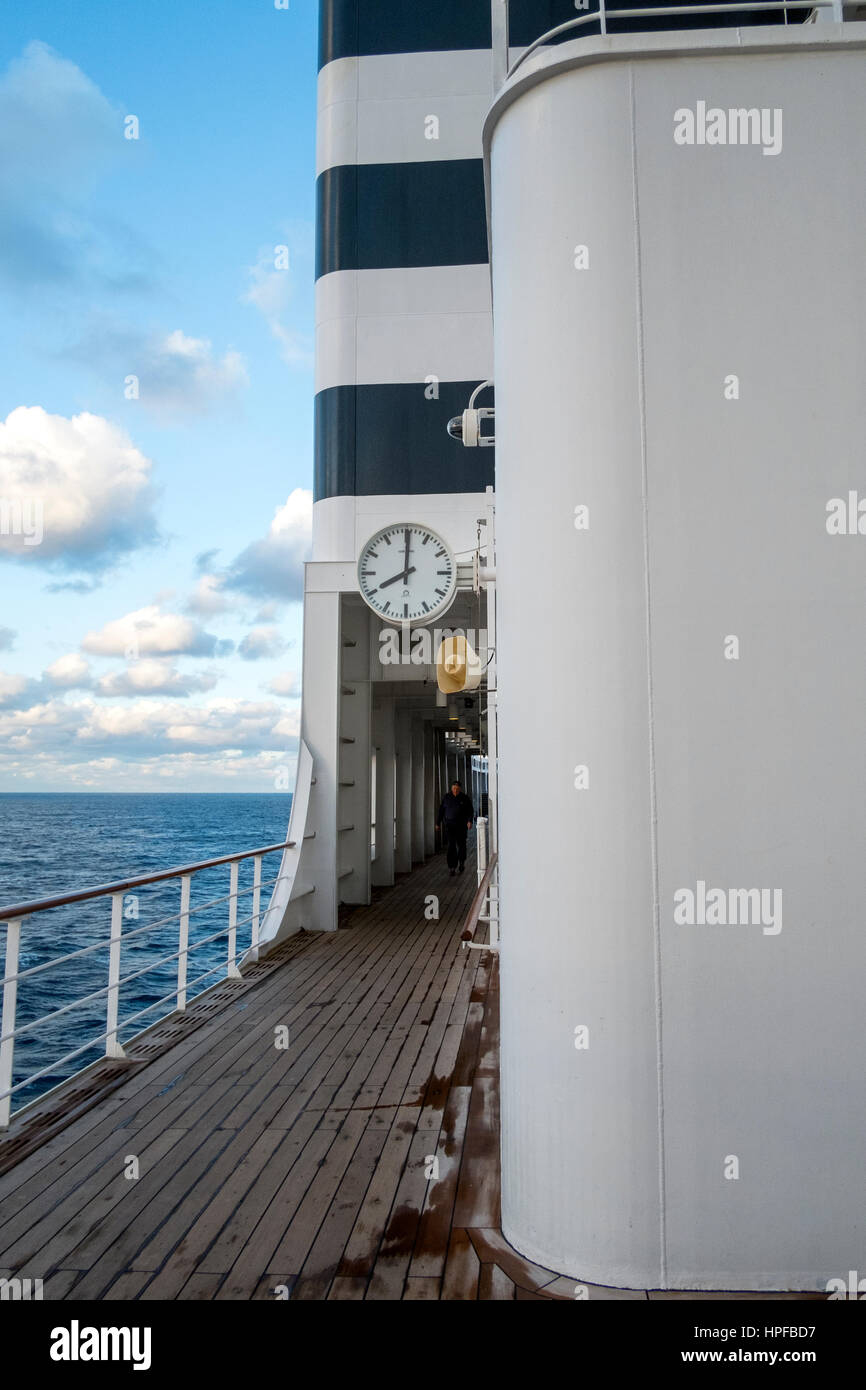 Crossing the slate grey North Atlantic ocean on the liner Queen Mary 2 - Stock Image
