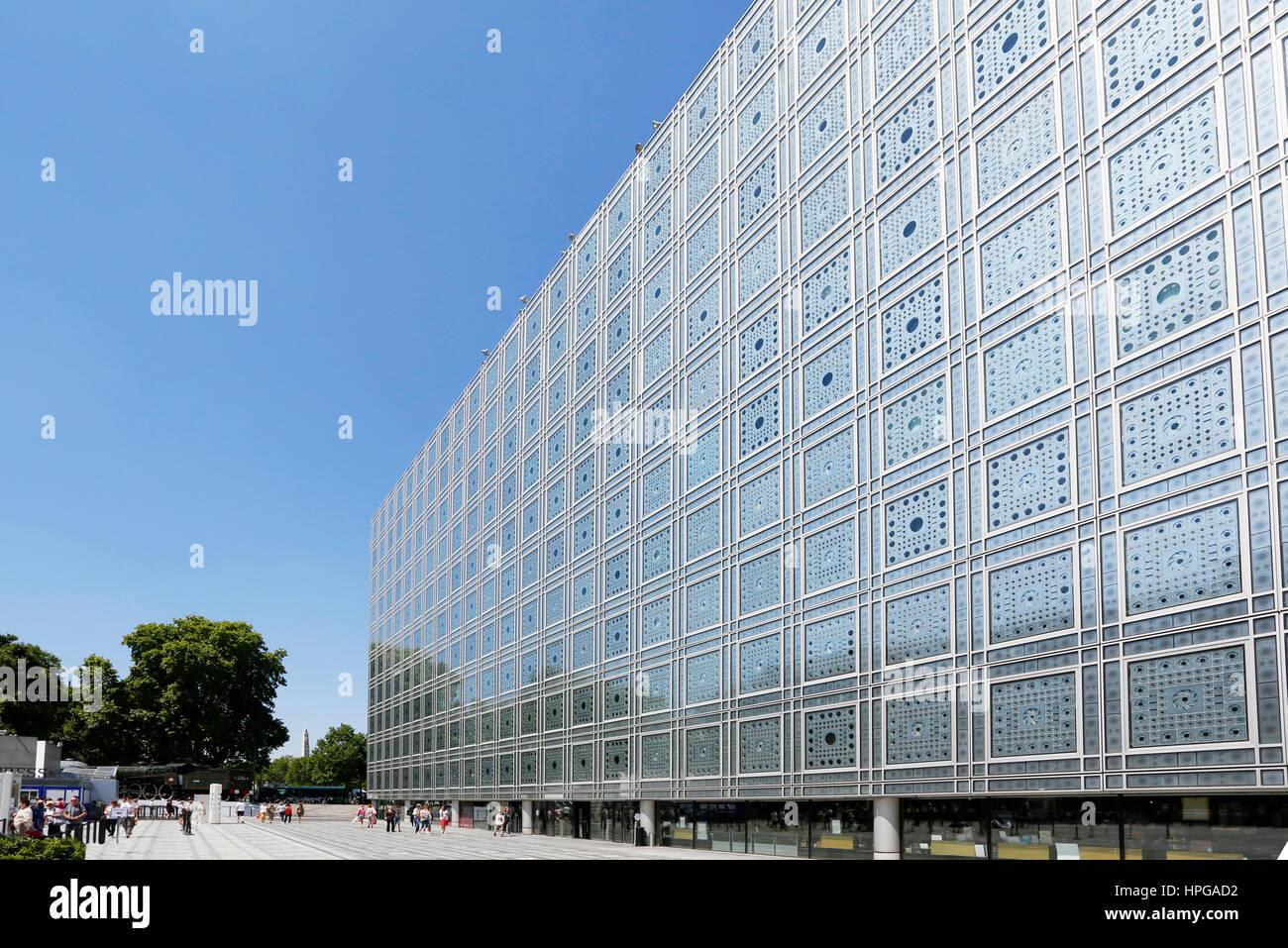 France, Paris. 5th arrondissement. Arab World Institute. - Stock Image