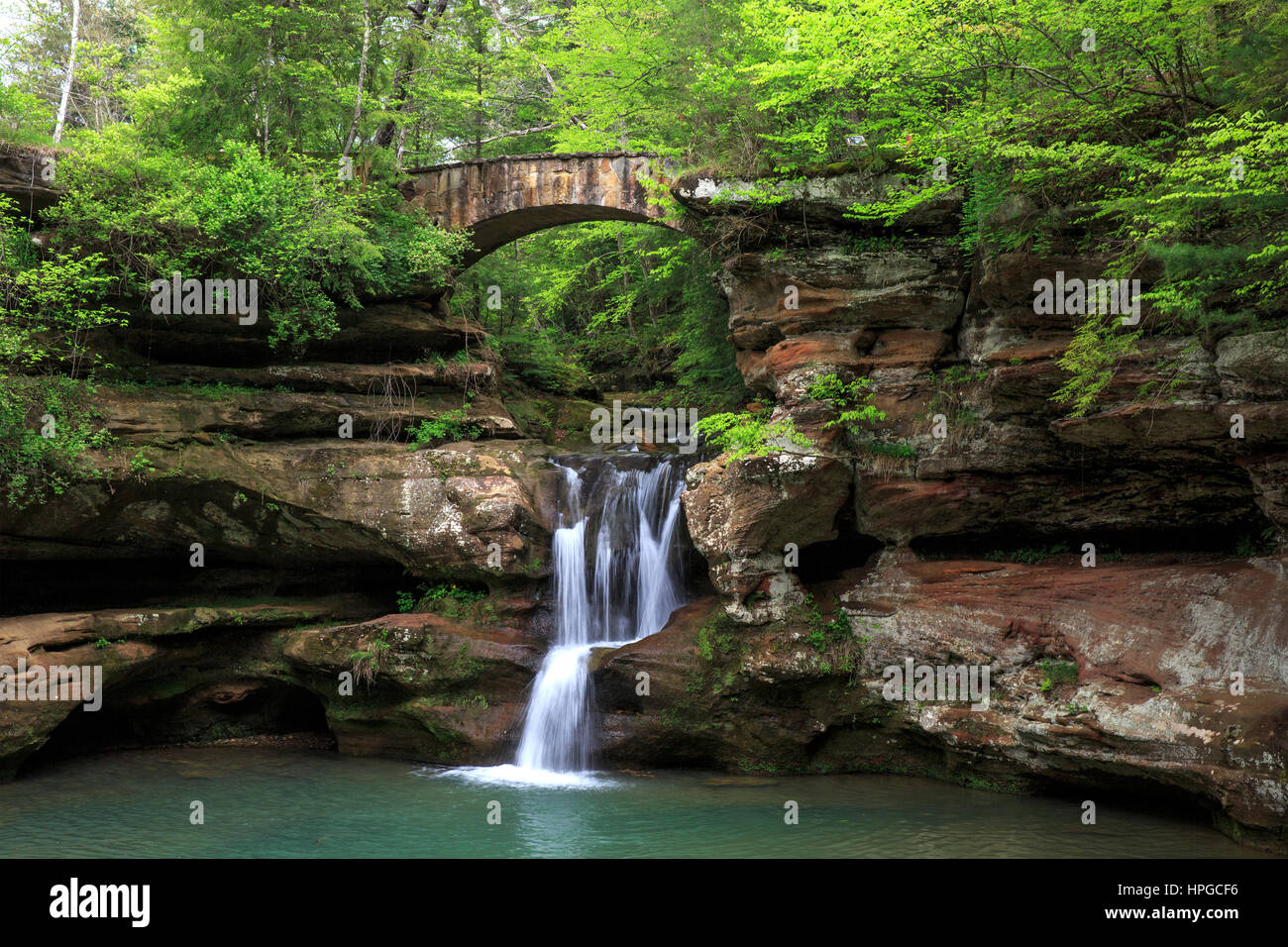 Upper Falls at Old Man's Cave, Hocking Hills State Park, Ohio, in the Spring - Stock Image