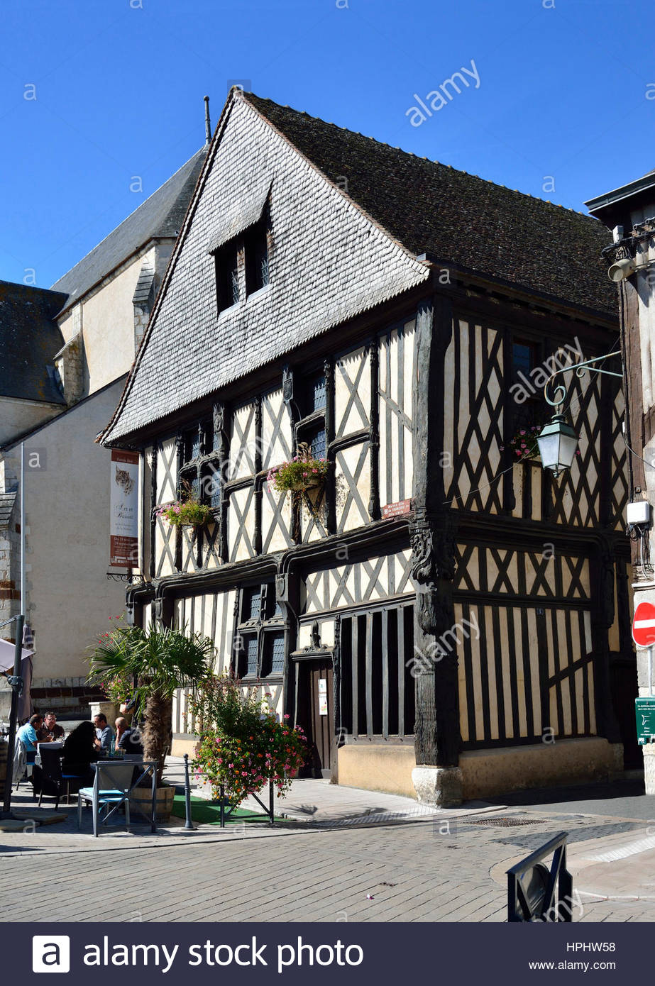 16th Century French Home - france-centres-cher-sologne-aubigny-sur-nere-half-timbered-house-known-HPHW58_Cool 16th Century French Home - france-centres-cher-sologne-aubigny-sur-nere-half-timbered-house-known-HPHW58  2018_39872.jpg