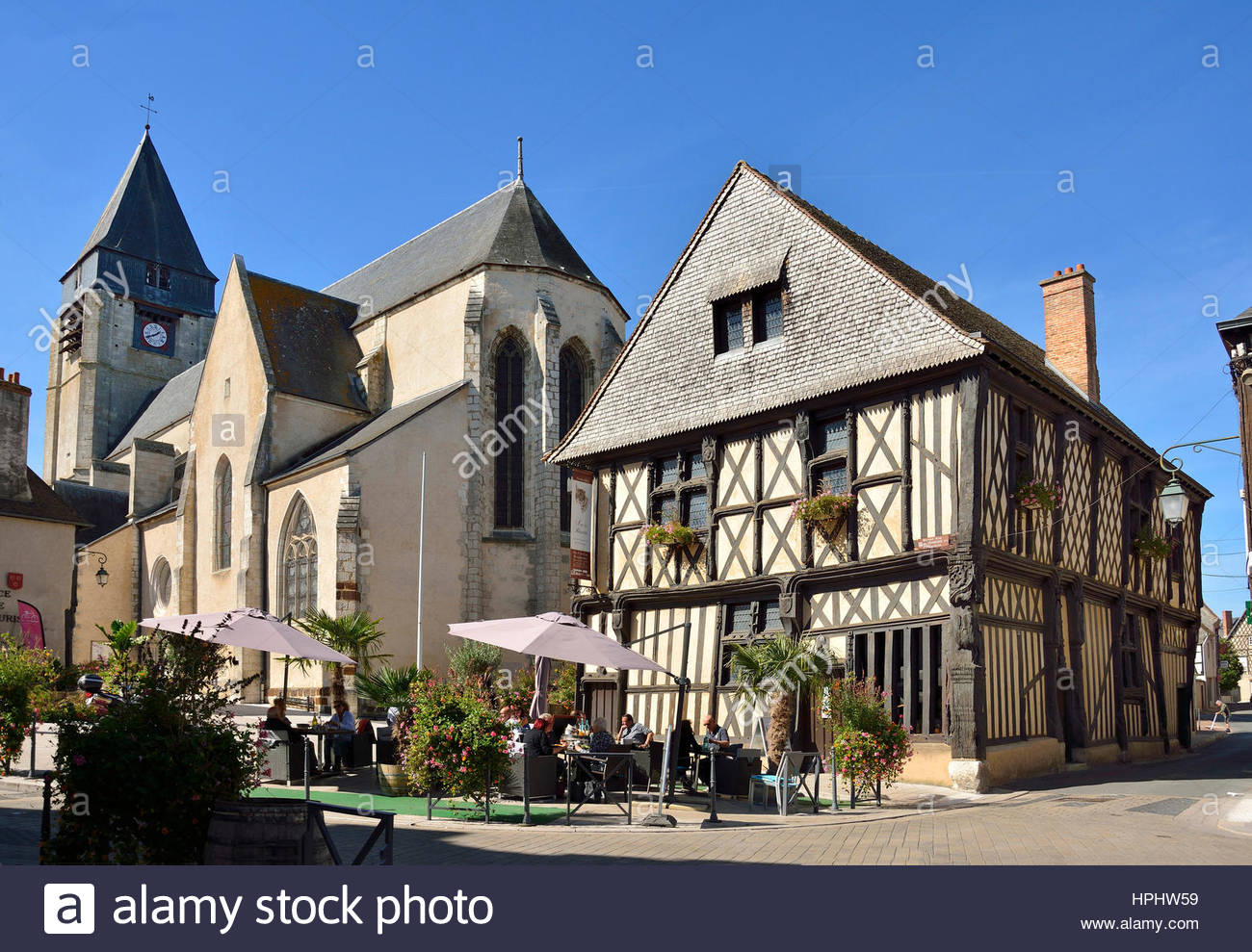 16th Century French Home - france-centres-cher-sologne-aubigny-sur-nere-half-timbered-house-known-HPHW59_Amazing 16th Century French Home - france-centres-cher-sologne-aubigny-sur-nere-half-timbered-house-known-HPHW59  Trends_13614.jpg