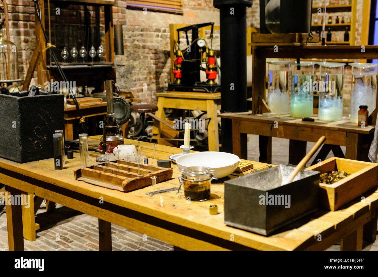 Experimental lightbulbs on a workbench in the lightbulb laboratory, Philips Museum, Eindhoven - Stock Image