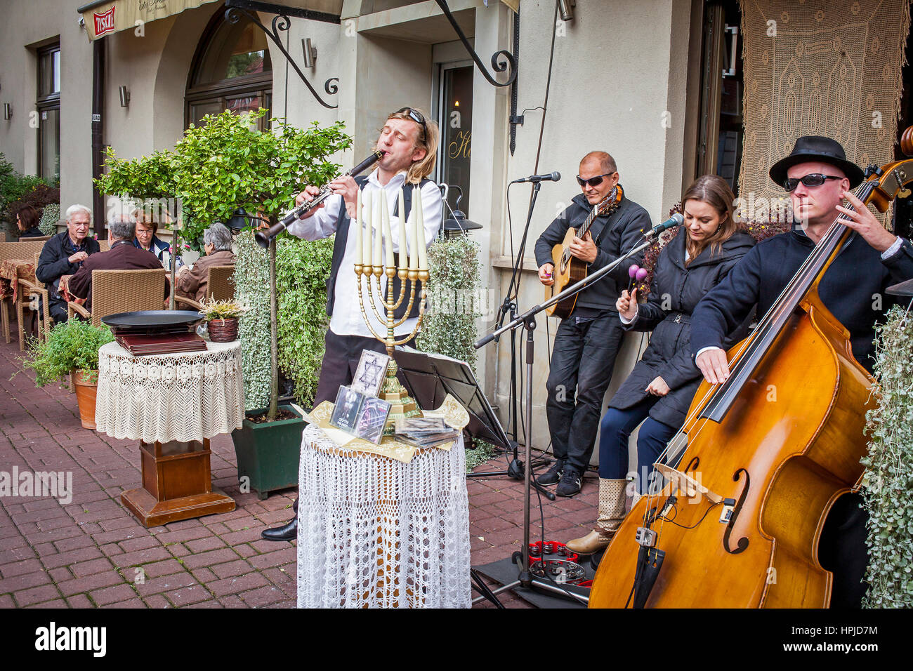 Musics, at Ester Restaurant, Szeroka 20, Kazimierz district, Krakow, Poland. - Stock Image