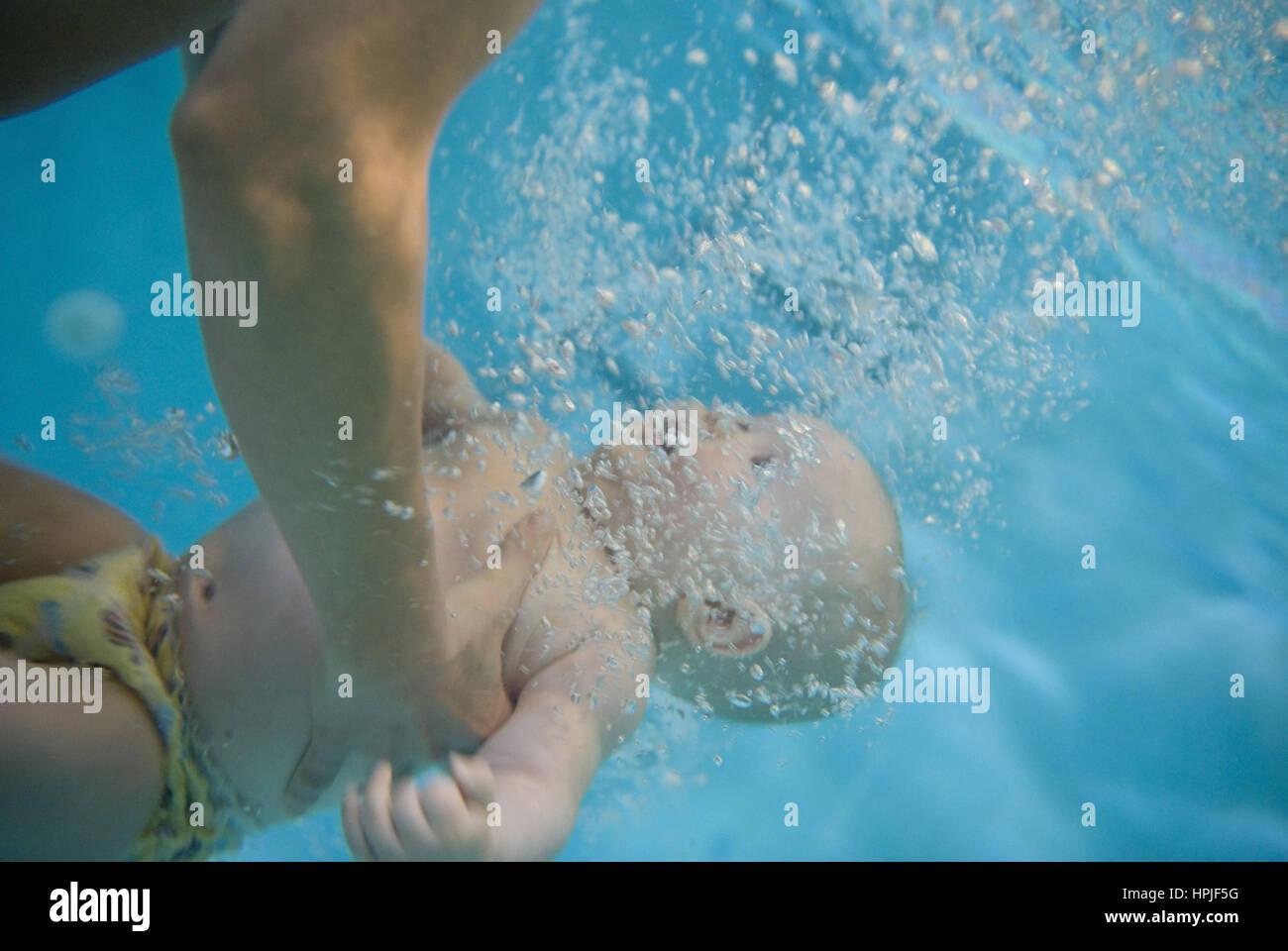 Babyschwimmkurs Stock Photos Babyschwimmkurs Stock Images Alamy