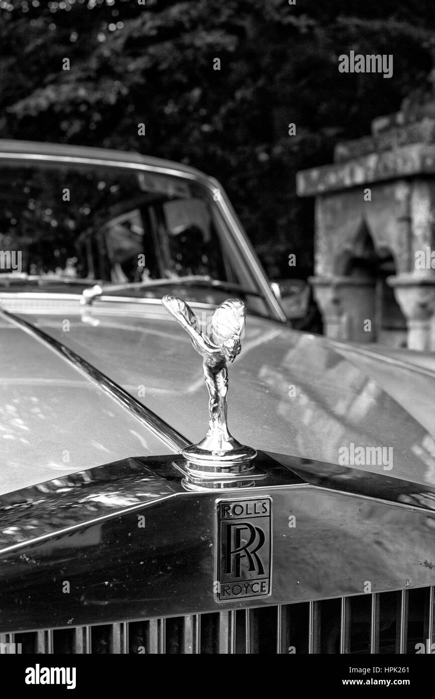 Rolls Royce grille and Spirit of Ecstasy mascot - Stock Image
