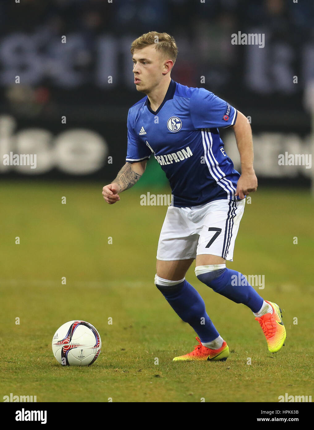 Gelsenkirchen, Germany 22.02.2017, FC Schalke 04 vs PAOK FC, Max Meyer (Schalke) controls the ball.             - Stock Image