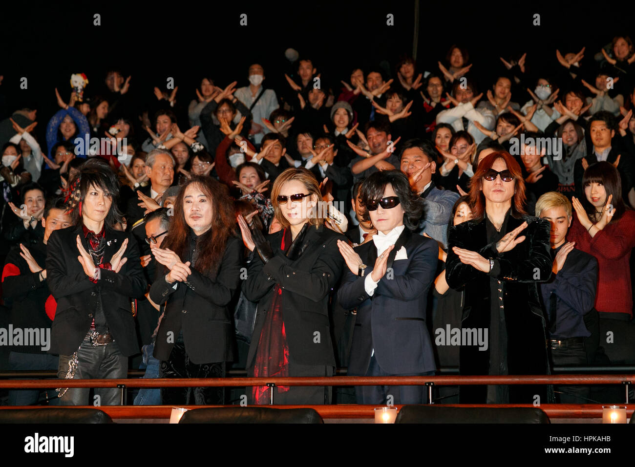 [img]https://c8.alamy.com/comp/HPKAHB/members-of-rock-band-x-japan-pose-for-cameras-with-fans-during-a-movie-HPKAHB.jpg[/img]